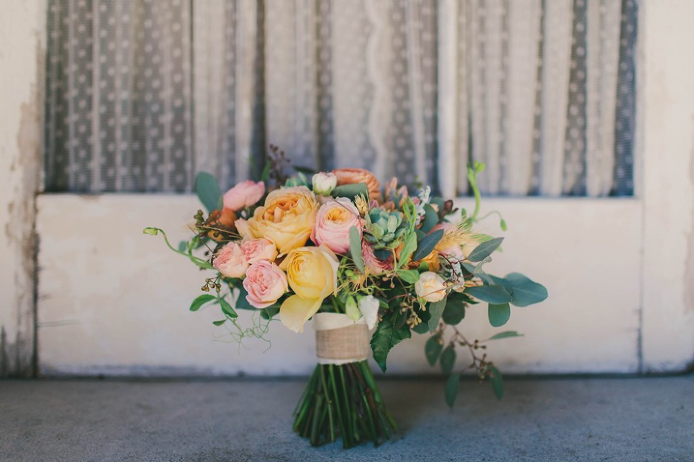 Sweet & Colorful Wedding| Lindsey Gomes Photography_0003