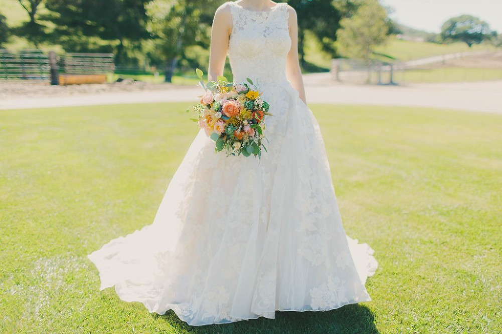Sweet & Colorful Wedding| Lindsey Gomes Photography_0017