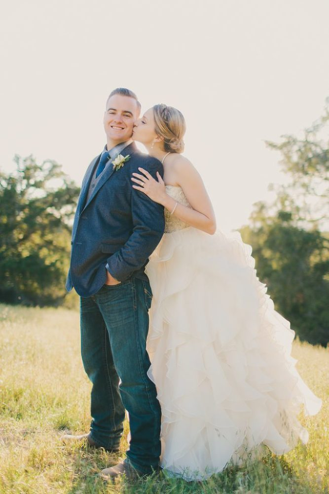 Soft & Glamourous Countryside Wedding| Lindsey Gomes Photography_0001