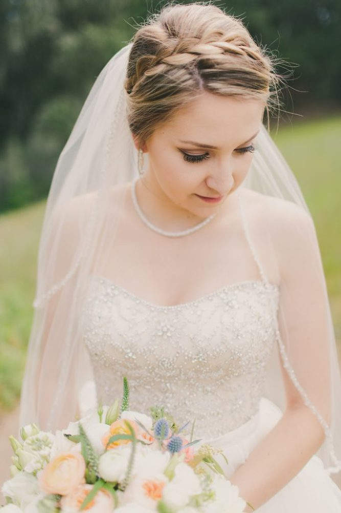 Soft & Glamourous Countryside Wedding| Lindsey Gomes Photography_0005