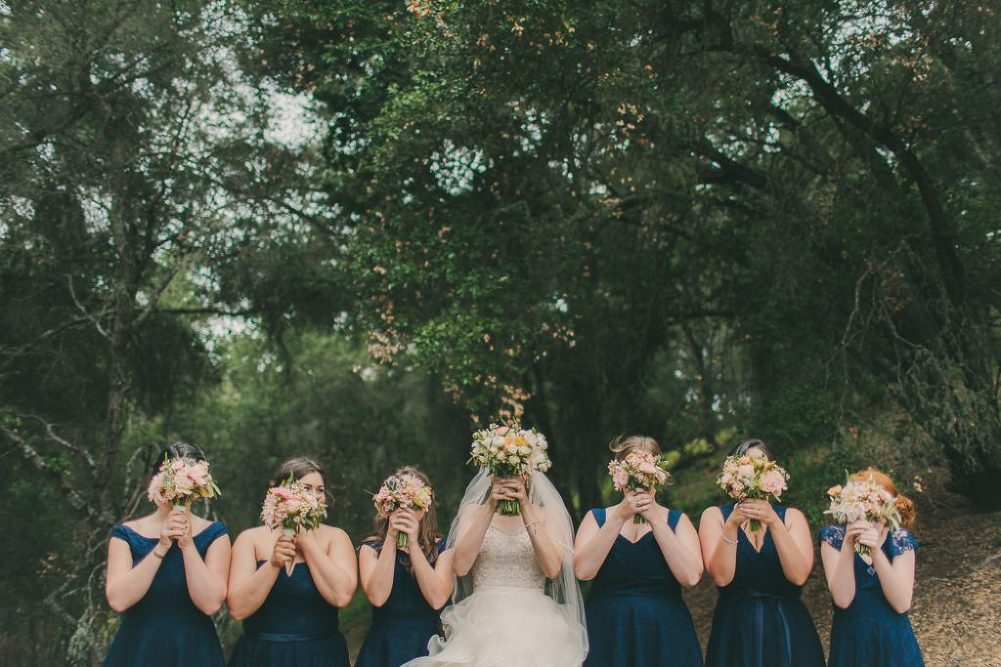 Soft & Glamourous Countryside Wedding| Lindsey Gomes Photography_0014