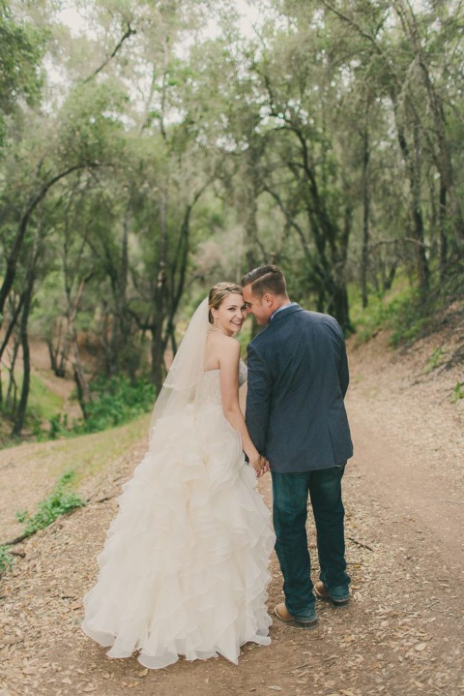 Soft & Glamourous Countryside Wedding| Lindsey Gomes Photography_0022