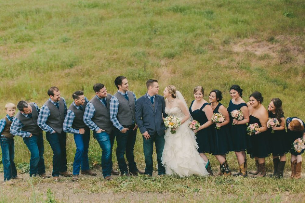 Soft & Glamourous Countryside Wedding| Lindsey Gomes Photography_0031