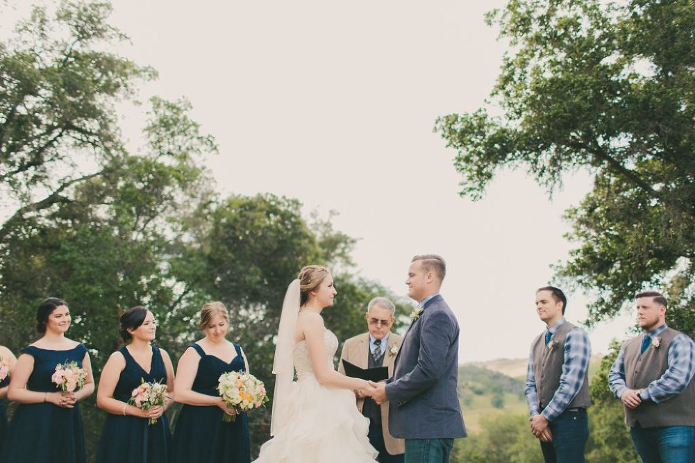 Soft & Glamourous Countryside Wedding| Lindsey Gomes Photography_0040
