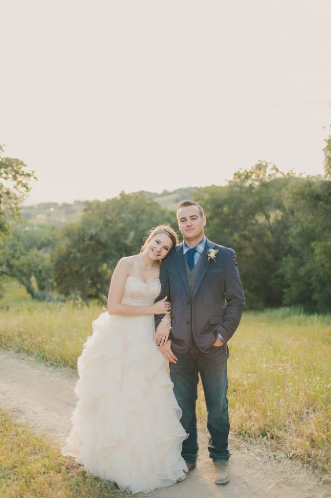 Soft & Glamourous Countryside Wedding| Lindsey Gomes Photography_0055