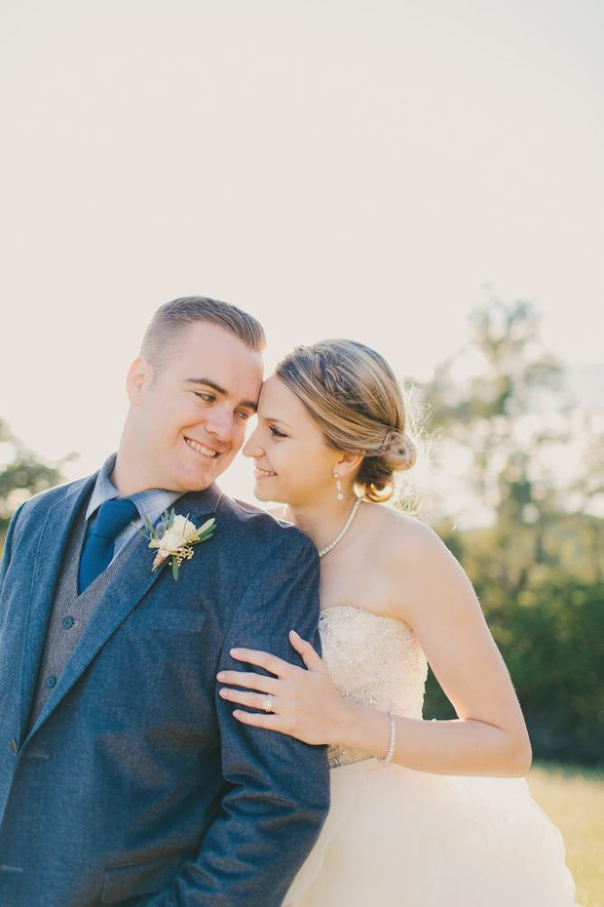 Soft & Glamourous Countryside Wedding| Lindsey Gomes Photography_0059